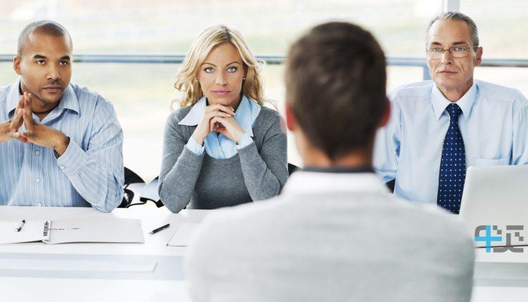 چگونه در مصاحبهی استخدامی موفق عمل کنیم؟